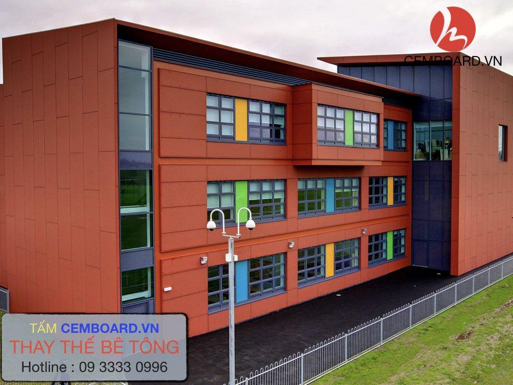 trườngBarrow Hall College Natura sử dụng tấm bê tông siêu nhẹ ốp tường ngoài nhà !